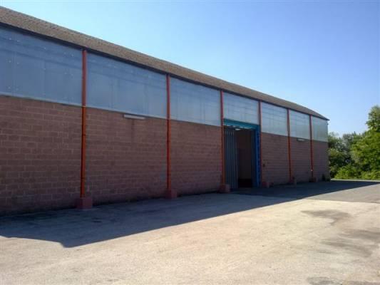 Affitto capannone industriale c2 c3 di mq 1000 cod a for Affitto locale commerciale 1000 mq roma